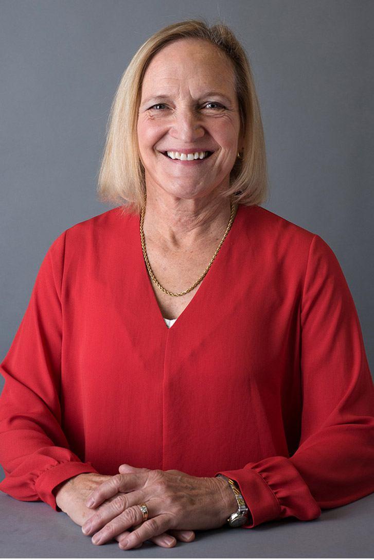 Paula Shultz headshot